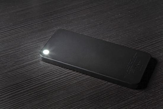 iphoneshapedbattery_led
